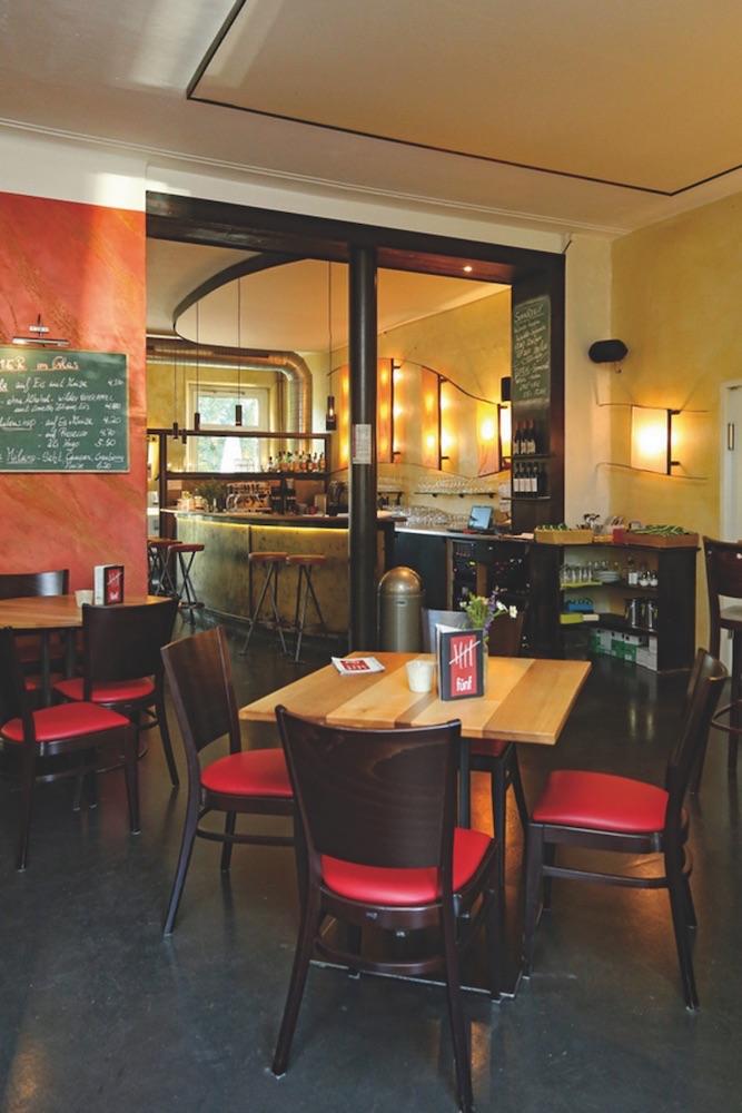 Bild - fünf - Restaurant - WeinBar -Kneipe